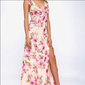 LuLus - Blush Pink Floral Maxi Dress. Size S